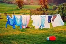 Một số mẹo giúp bạn giặt phơi quần áo đúng cách